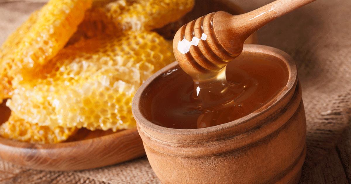Natural menopause treatment using herbs